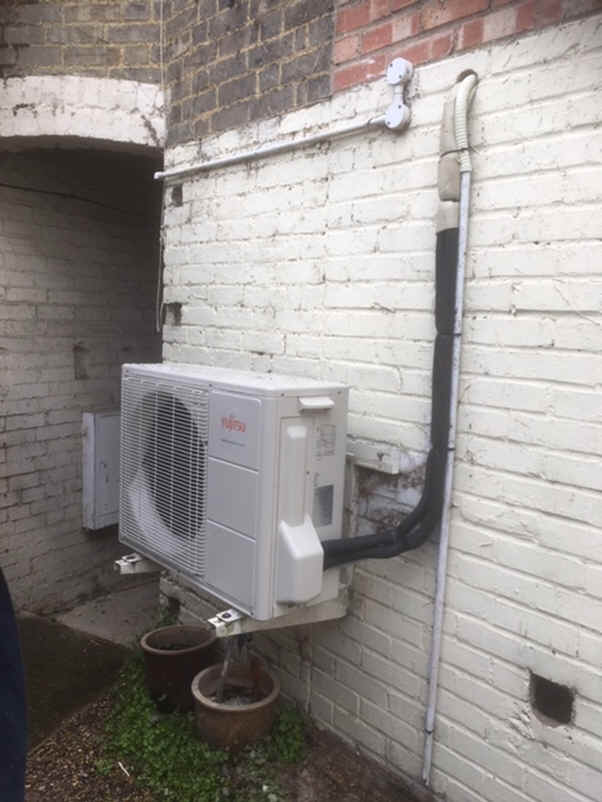 Fujitsu wall mounted air conditioning inverter heat-pump outdoor